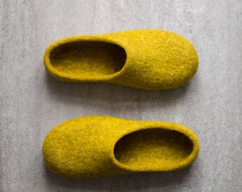 Yellow slippers Women slippers Felted clogs Mustard yellow house shoes Eco friendly home shoes Wool anniversary gift for her