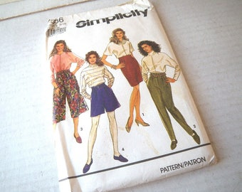 1991 Culottes & Stirrup Pants Pattern Uncut - Waist 23 to 28 - Hip 33 to 38 - Wide Leg Shorts - Simplicity 7386