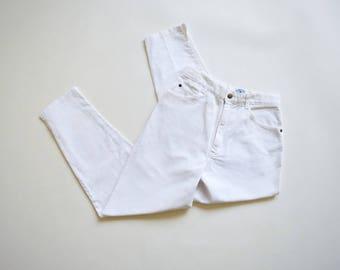 "27""x 26"" | white denim high waist mom jeans | high waist tapered legs | vintage denim | zipper fly"