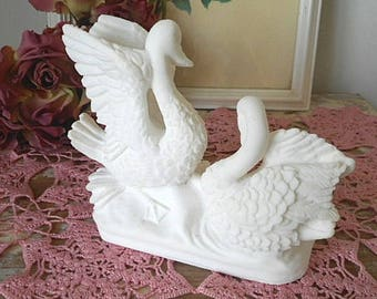 Vintage Swan Ornament / Display Piece