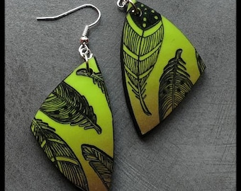 Green polymer pierced Brown lime patterned feathers