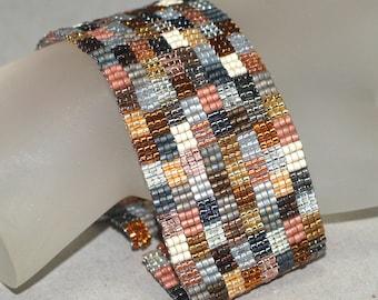 Patchwork Mine ... Beadwoven Bracelet . Geometric . Handmade Jewelry . Peyote Cuff . Silver . Gold . Bronze . Metallic . Squares