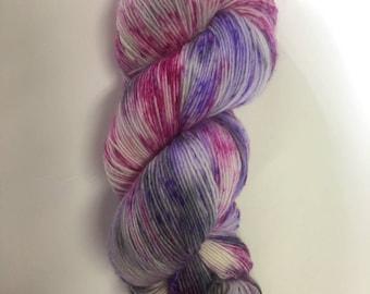 100% superwash merino wool singles 1/4 nm hand painted hand dyed pink grey purple