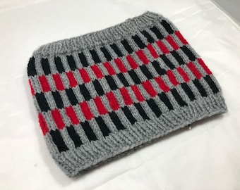 Hand Knit Vertical Striped Colourwork Cowl