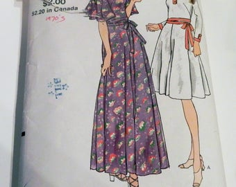 """1970s Boho Maxi Dress Flutter sleeves square neckline flared long sleeves sewing pattern Vogue 8065 Size 16 Bust 38"""""""