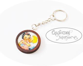Keychain retro vintage wooden cute/ porte clé vintage en bois hand made resine