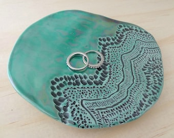 Green and black ceramic ring dish. Ring holder, jewellery holder, ring bowl. Engagement or wedding gift.