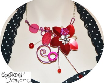 collier sculptural rouge  / sculptural necklace