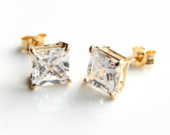 9ct Gold Cubic Zirconia Stud Earrings - 9ct Gold Diamond Earrings - Yellow Gold Square Stud Earrings 6mm - FREE TRACKING - B42