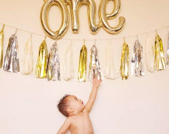 One Gold Balloon Banner / 1st birthday party / First birthday / one letter balloon banner/ gold balloons/balloon banner