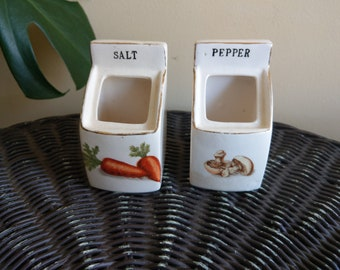 Tilso Japan salt and pepper cellars with vegetable design and gold leaf trim
