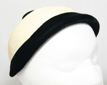 1950s Black & White Hat - Black Velvet - White Straw - Close-Fitting 50s Millinery - Preppie Style - Similar Look To A Riding Hat - 45102
