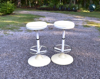 Vintage Stool Set of 2 Soda Fountain Ice Cream Parlor Mod White Cream Metal Plastic Panchosporch