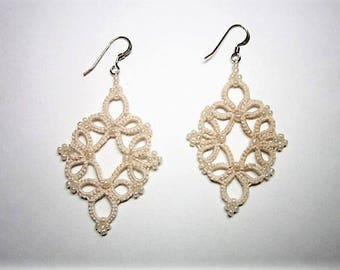 Cream Earrings, Off-White Earrings, Neutral Earrings, Lace Earrings, Tatted Earrings, Tatted Jewelry, Lace Jewelry, Beaded Lace