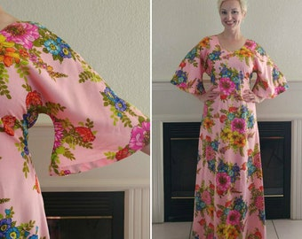 1970s  Pink Floral Maxi Dress Size M -- Ships Free!