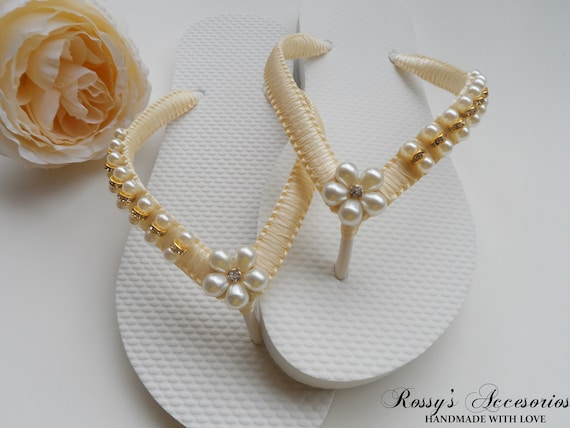 Gift Rhinestone Beach Bridal Bride Shower Bridesmaid Ivory Flower Flops Flip Sandals Party Bridal Ivory gift Pearls Pearl Wedding 6gpPxP