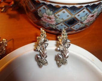 Sterling Silver Curved Intricate Leaves Post Earrings