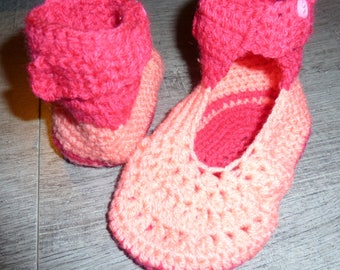 Baby booties, 3 to 6 months, MOM gift idea