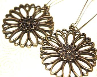 Flower Dangle Earrings, Antique Bronze Earrings, Summer Jewelry, Boho Earrings, Daisy Earrings