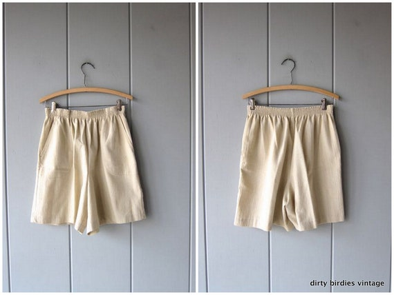 Natural Look Shorts 80s Elastic Waist Thin Cotton Blend Shorts Minimal Beige Shorts MOM Shorts w/ Pockets Vintage Women Medium Large