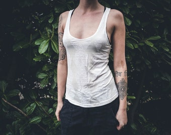 SALE White Bamboo Hexed Printed Simple Tank