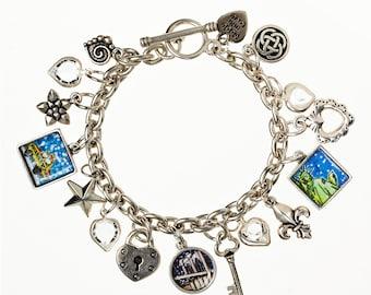 Bracelet de charme pont de Brooklyn. Fait main à Brooklyn. Bracelet de charme classique mettant en vedette des images préférées de New York