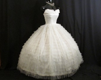 Vintage 1950's 50s STRAPLESS Bombshell White Lace Tiered Tulle Circle Skirt Party Prom Wedding DRESS Gown