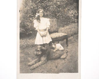 Dog and cat made little girl show dog and cat-rare original photography black and white vintage snapshot France lover