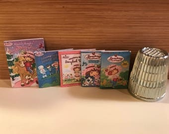 R-25    Miniature set of 5 Strawberry Shortcake books   for Barbie, dollhouses, collectors and diloramas