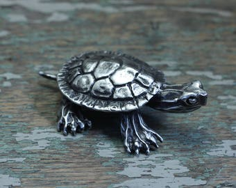 Silver pewter turtle inspired by the western painted turtle