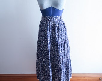 Blue floral print 70s / 80s prairie skirt with lace trim sz. Small / Medium