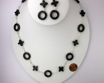 Hugs and Kisses Necklace Set