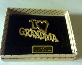 Vintage 24kt Gold Plated I LOVE GRANDMA Brooch Pin Smooth and Textured Beautiful NEW
