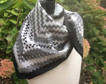 Vintage Paoli black and white square scarf zig zag print