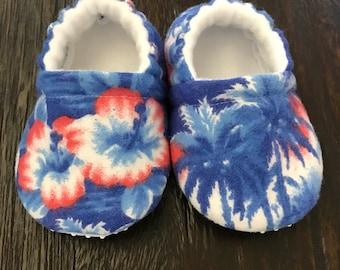 Hawaiian baby booties // hawaiian baby crib shoes