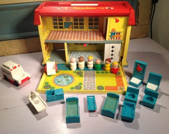 Vintage Fisher Price 70s hospital