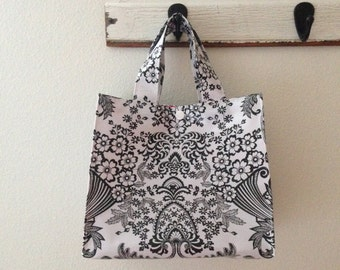 Beth's Paradise Oilcloth Lunch Box Tote Bag Plus