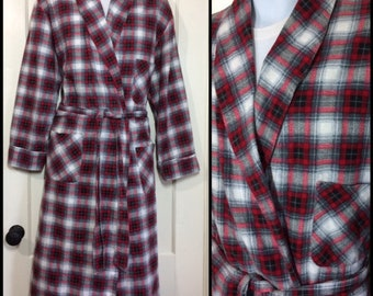 1950s soft cotton flannel smoking jacket long robe size medium red gray white black plaid rockabilly loungewear by Customode Wash and Wear