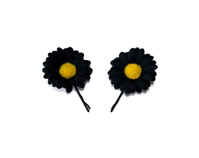 Black Daisy Flower Hair Pin