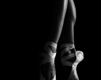 Black and White Ballerina Print – Ballet Photography Print of Ballerina Legs On Pointe, Ideal for Your Ballerina Room Decor