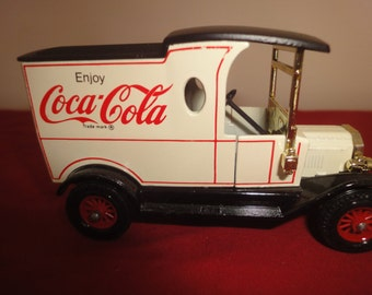 Matchbox Yesteryear Y12 Ford T,Coca Cola      new with box