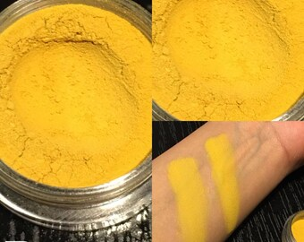 DIJON a beautiful matte loose powder Yellow color very pigmented eyeshadow
