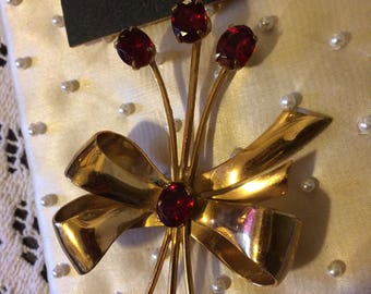 Vintage 50s Goldtone Red Rhinestone Floral Spray Coro Christmas Ladies Brooch Pin Gifts for Her