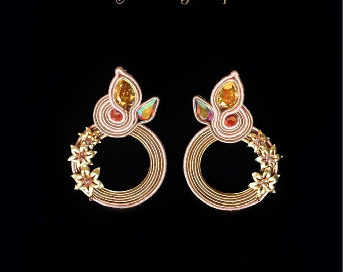 Gold Swarovski crystals and nude soutache earrings