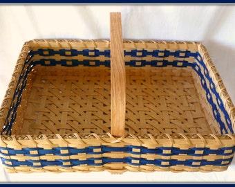 "BASKET PATTERN ""Yasmine"" Farmers Market Style or Flower Collecting Basket"