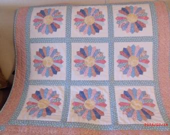 Dresden Plate Quilt, Birthday Gift, Wedding Gift, Christmas Gift
