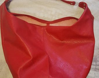 Red large hobo