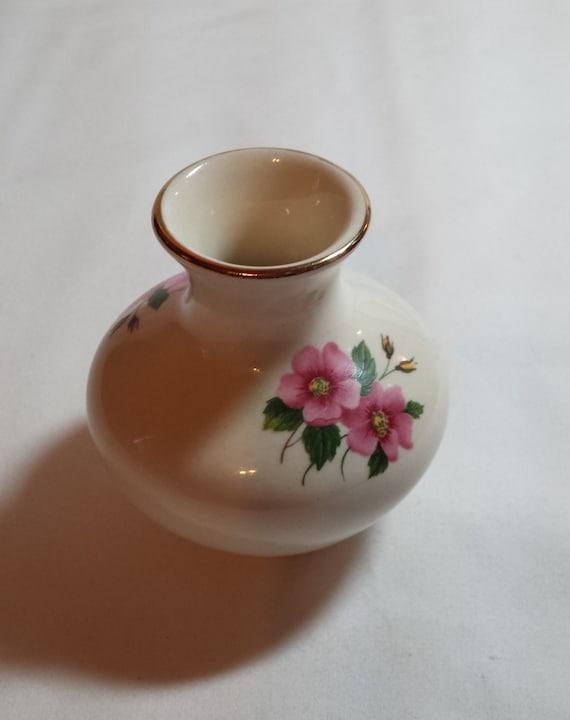 Bud Vase Sadler England Wild Rose Design 3 Inch