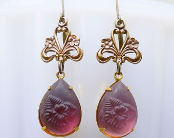 Plum Flowers // 1940s Vintage Purple Floral Glass Drop Earrings with Brass Filigree Retro Midcentury Pinup Girl Boheme Bohemian Bridal Deco