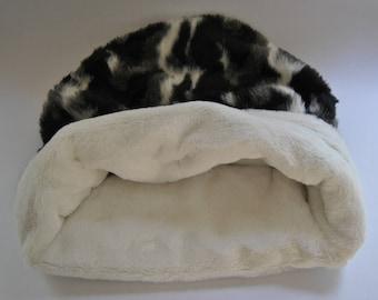 Luxury Dog Sleeping Bag (Snuggle Pocket for dogs)